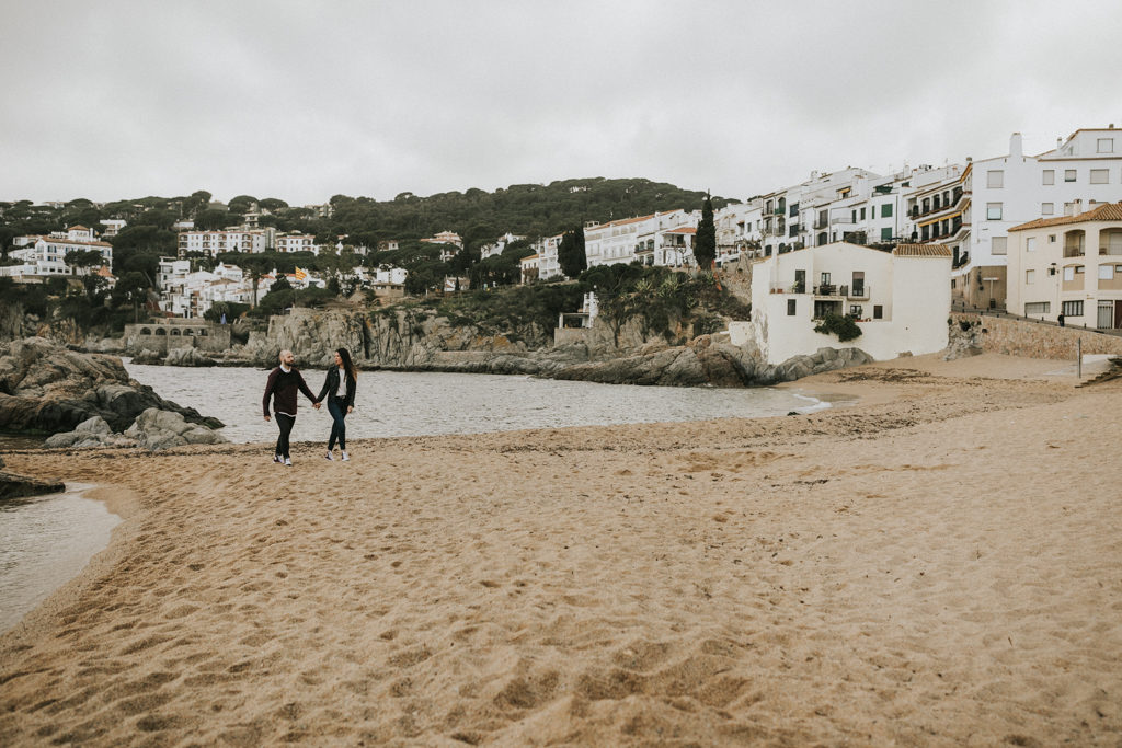 barcelona wedding photographer juanjo vega. natural weddings at barcelona & costa brava. prewedding photoshoot at calella de palafrugell