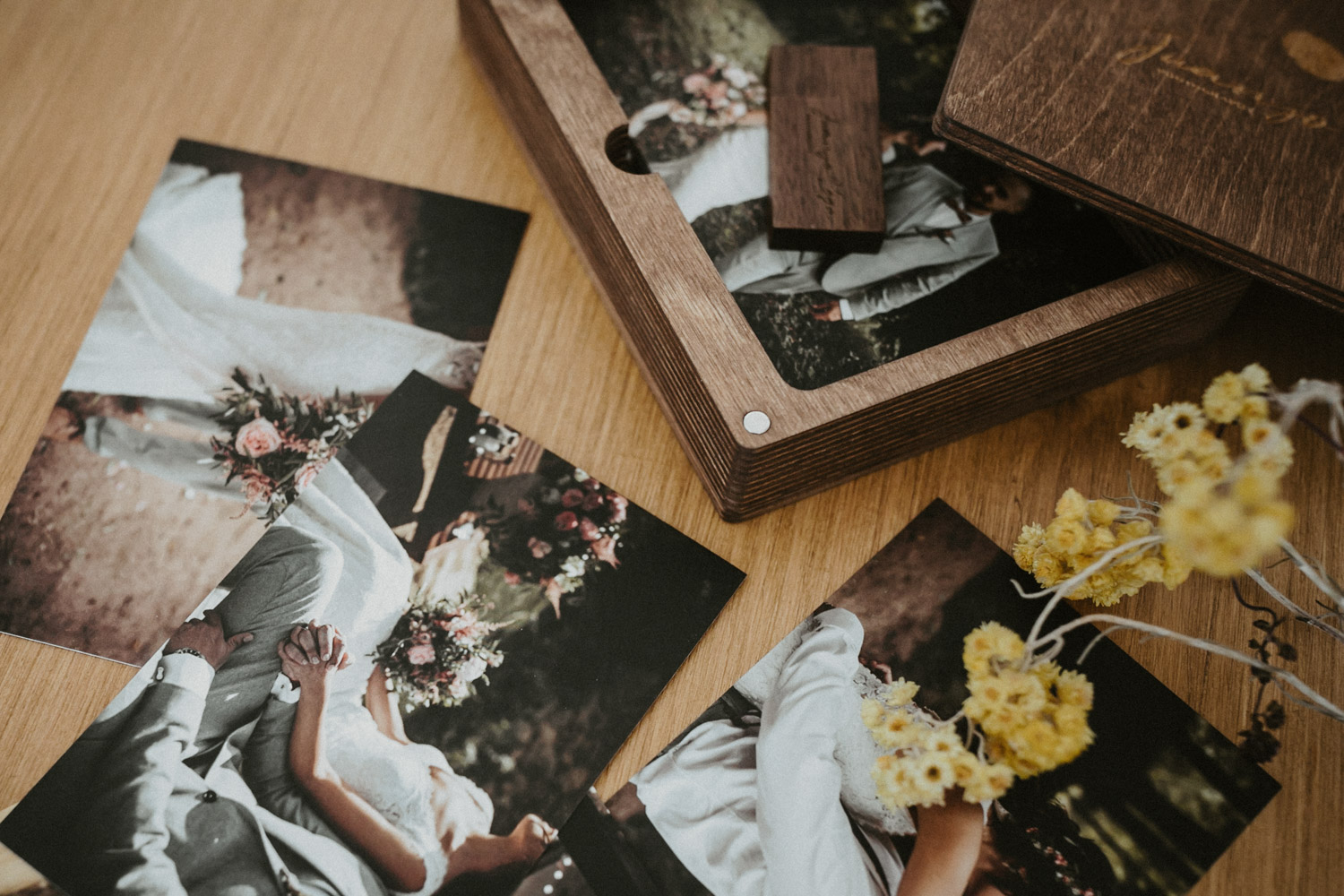 wedding prints, wooden box, photo album wedding, barcelona wedding photographer, album wedding barcelona