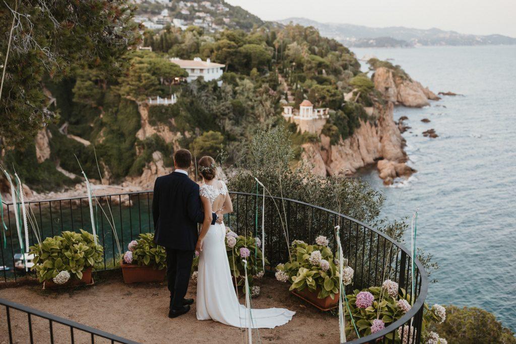 Boda Convent de Blanes. Una boda elegante de estilo mediterráneo a la orilla del mar. Fotografía de bodas en Barcelona y Costa Brava. Juanjo Vega Phtogoraphy.