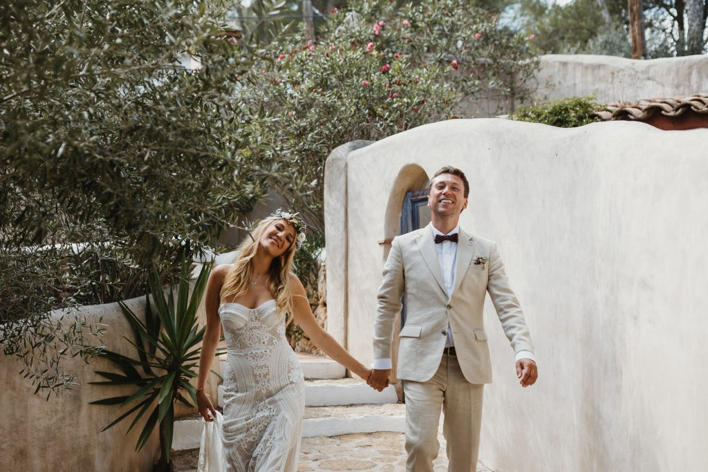 Destination wedding at Sitges. Wedding at Masia Nur Sitges. Barcelona and Sitges wedding photographer. Mediterranean style wedding