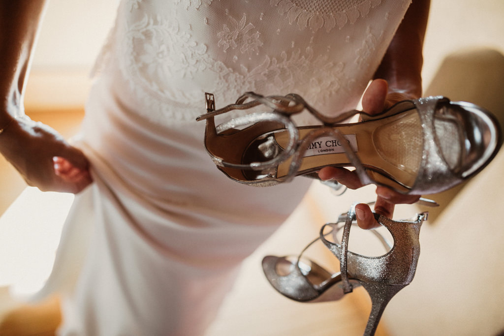Jimmy Choo shoes country house wedding in Barcelona | Destination wedding photographer | Juanjo Vega, photographer in a country house weddings Barcelona (Spain).