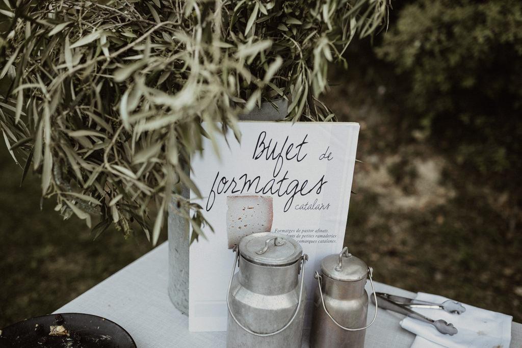 Catering para una boda en el bosque Barcelona | Ceremonia emotiva en la Masía El Munt | Juanjo Vega, Fotógrafo de bodas en el bosque en Barcelona de estilo boho, al aire libre y en plena naturaleza.