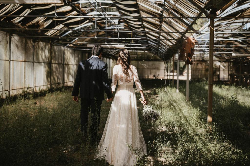 An exclusive and different wedding in Girona, at La Farinera Venue | Juanjo Vega, destination photographer of different weddings in Girona, Tarragona & Barcelona