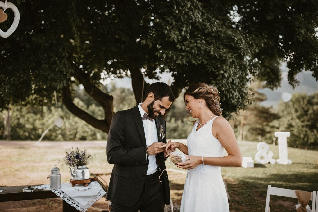 Pedro del Hierro wedding suit for an Informal wedding surrounded by nature | Wedding shooting at the summer camp Les Tallades | Juanjo Vega, informal and outdoor wedding photographer in Barcelona (Spain).