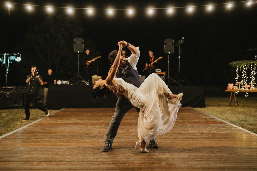 Reportatge casament a l'aire lliure Barcelona | Boda sorpresa al bosc a El Dalmau | Juanjo Vega, Fotògraf de casaments a l'aire lliure a Barcelona amb estil natural, especial i en plena natura.