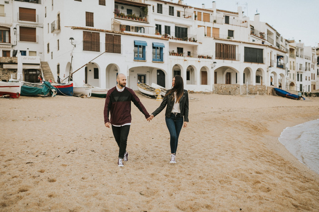fotògraf de casaments a barcelona, sessió preboda a la platja, preboda a calella de palafrugell, fotograf boda barcelona, casament natural i delicat, juanjo vega fotògraf de boda a barcelona girona i costa brava