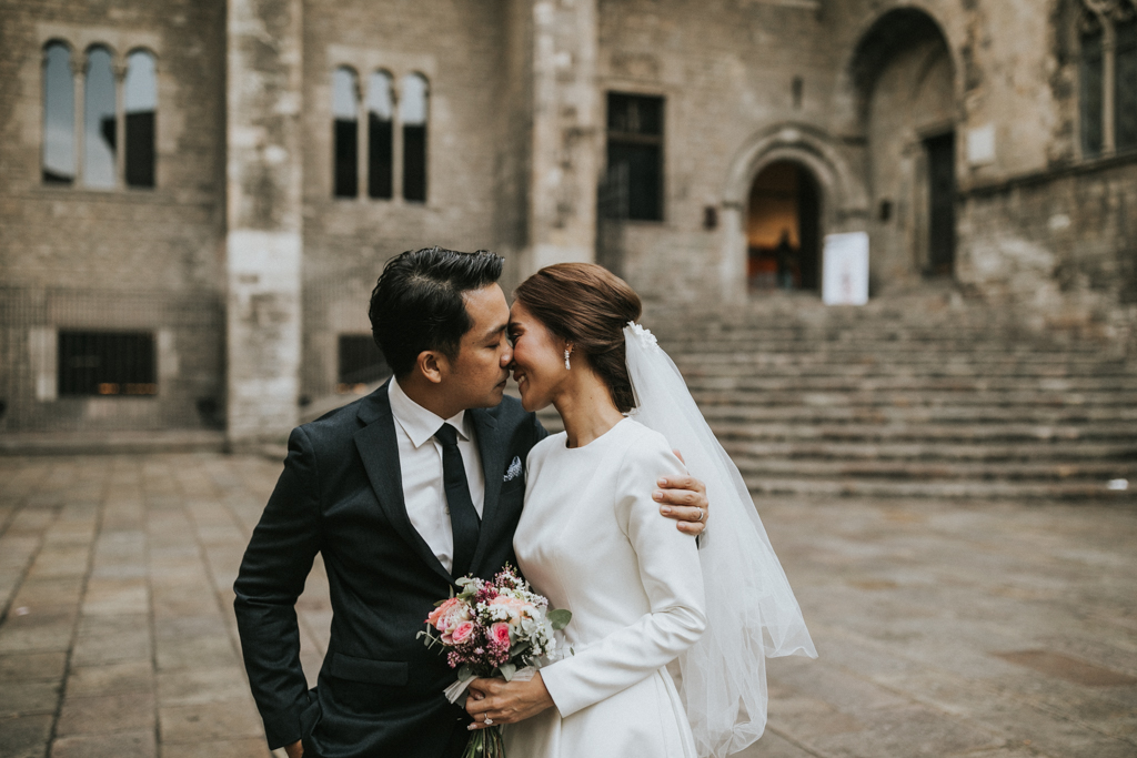 - PREWEDDING IN THE BARCELONA GOTHIC QUARTIER -