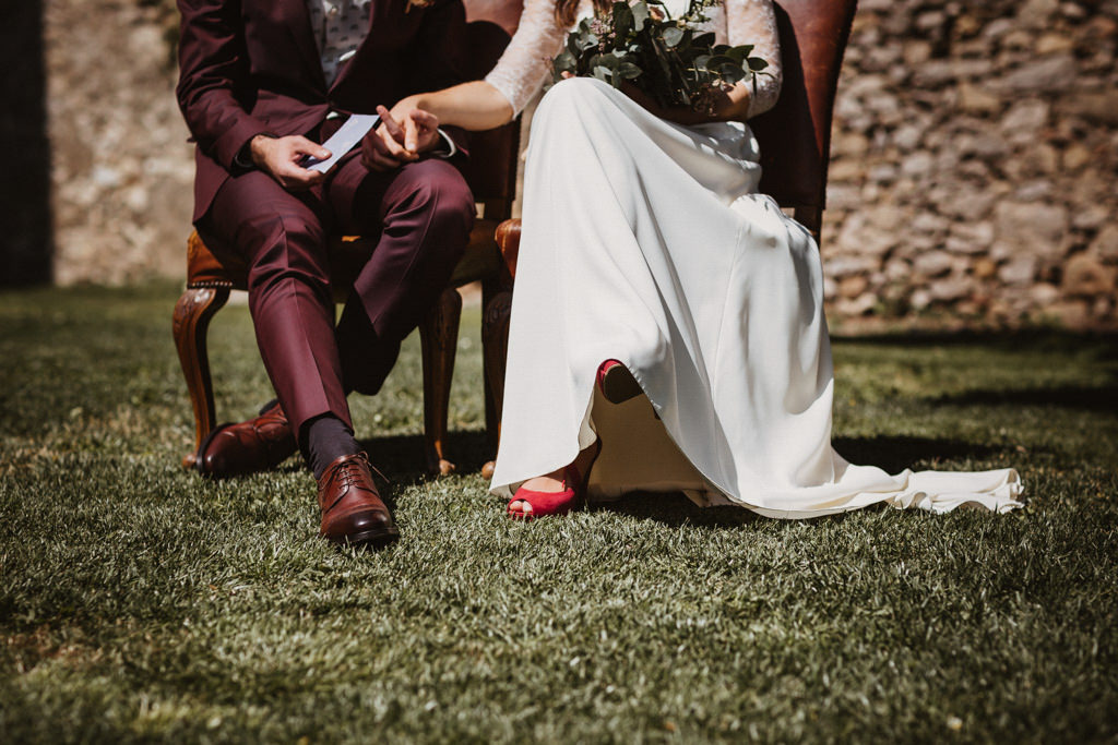 La Coquetería bride's shoes for a mediterranean wedding in Barcelona in the heart of nature at Casa Cerdà | Juanjo Vega, Mediterranean outdoor wedding photographer in Barcelona.