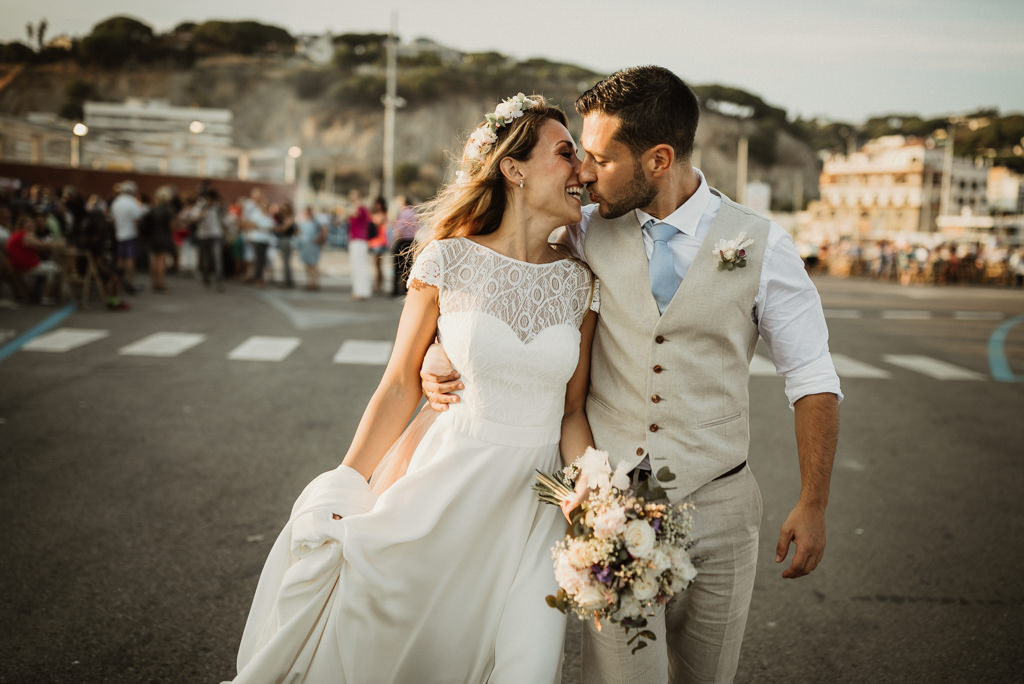 Mediterranea Beach wedding in Barcelona, at the Btakora Lounge Restaurant | Juanjo Vega Destination Photographer, beach wedding in Barcelona and Costa Brava