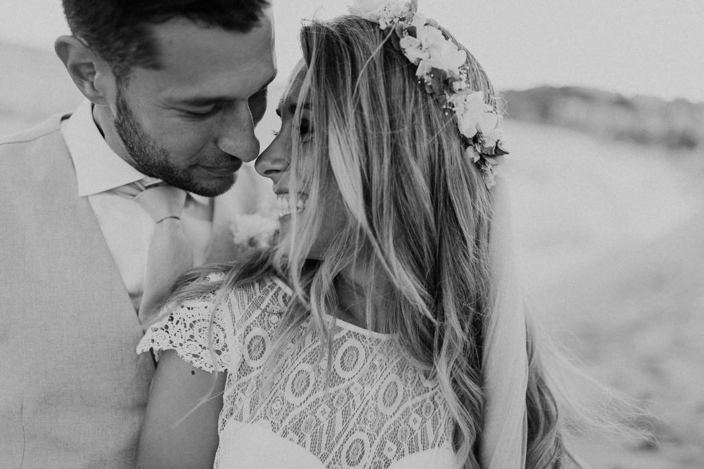 Reportatge casament a la platja d'estil mediterrani · Casament a la platja al restaurant Btakora de Barcelona · Casament mediterrani i informal al Bitakora | Fotografia de casament a la platja | Juanjo Vega, Fotògraf de casaments a la platja a Barcelona