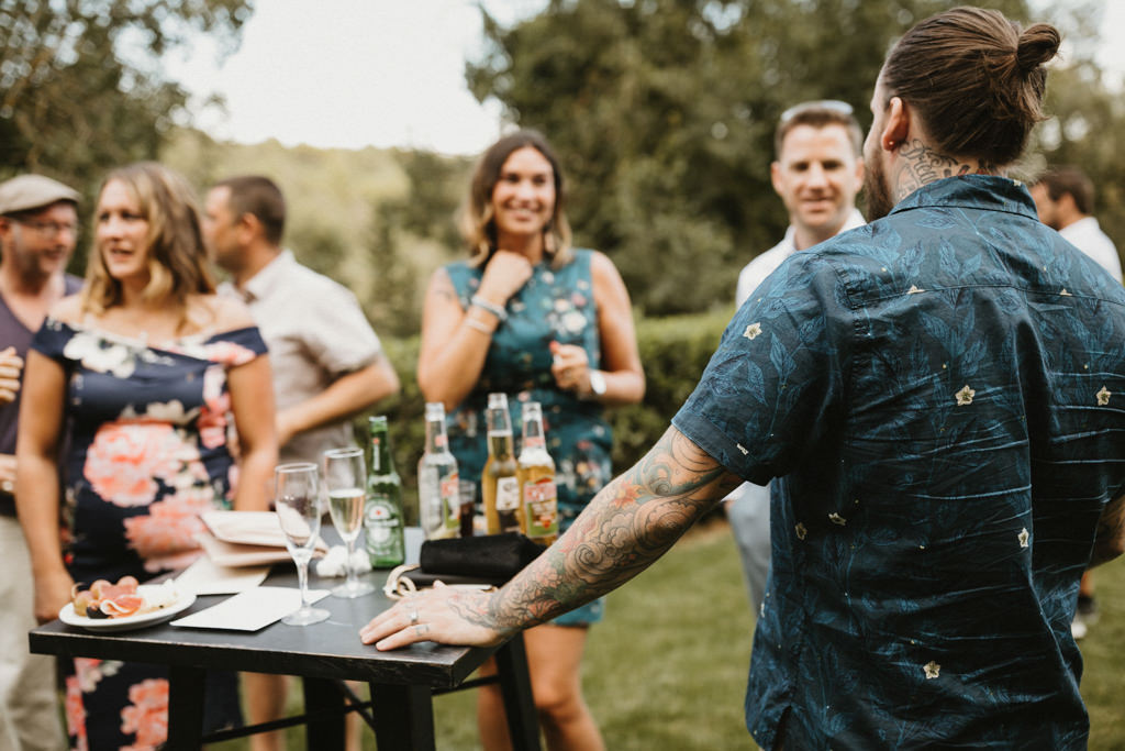 Catering for a bohemian wedding in Barcelona, surrounded by nature at El munt | Destination wedding photographer | Juanjo Vega, bohemian and boho style wedding photographer in Barcelona (Spain).