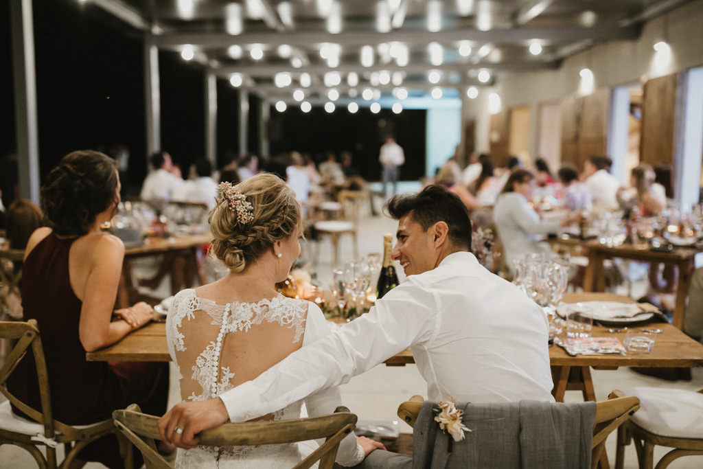 Bohemian wedding in Barcelona, surrounded by nature at El munt | Destination wedding photographer | Juanjo Vega, bohemian and boho style wedding photographer in Barcelona (Spain).